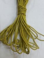 Шнур металлизированный крученый SHNURM35-77