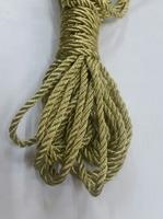 Шнур металлизированный крученый SHNURM4-78